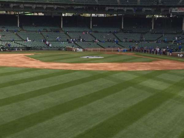 Wrigley Field, section: 506, row: 10, seat: 8
