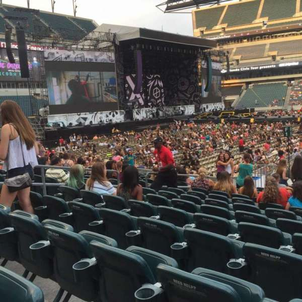 Lincoln Financial Field, section: 101, row: 13, seat: 14