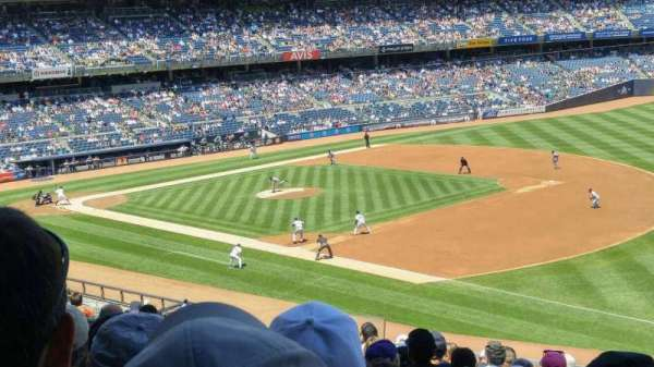 Yankee Stadium, section: 212, row: 14, seat: 14