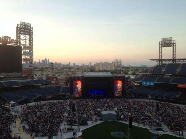 Citizens Bank Park, section: 422, row: 1, seat: 5