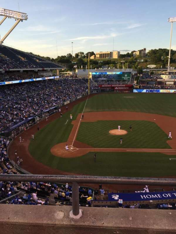 Kauffman Stadium, section: 427, row: B, seat: 8