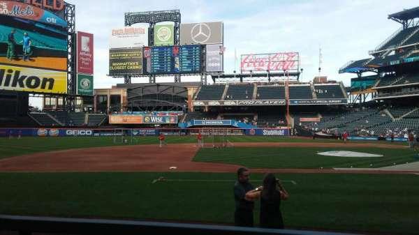 Citi Field, section: 122, row: 21, seat: 14