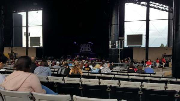 Hollywood Casino Amphitheatre (Tinley Park), section: 204, row: BBB, seat: 12