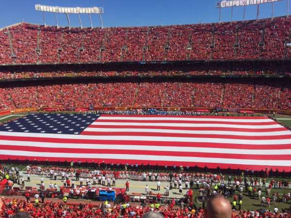 Arrowhead Stadium, section: 323, row: 3, seat: 6
