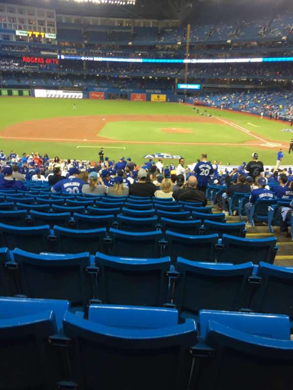 Rogers Centre, section: 126R, row: 39, seat: 3