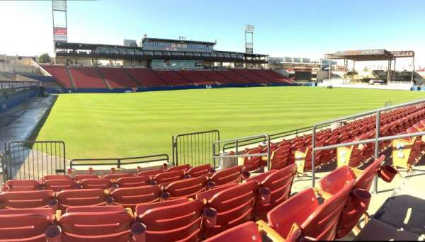 Toyota Stadium, section: 122, row: 6, seat: 22