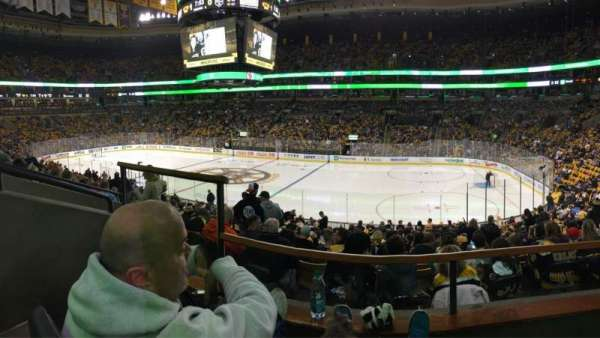 TD Garden, section: CLUB 137, row: B, seat: 8