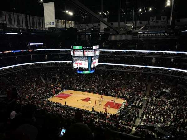 United Center, section: 332, row: 14, seat: 12