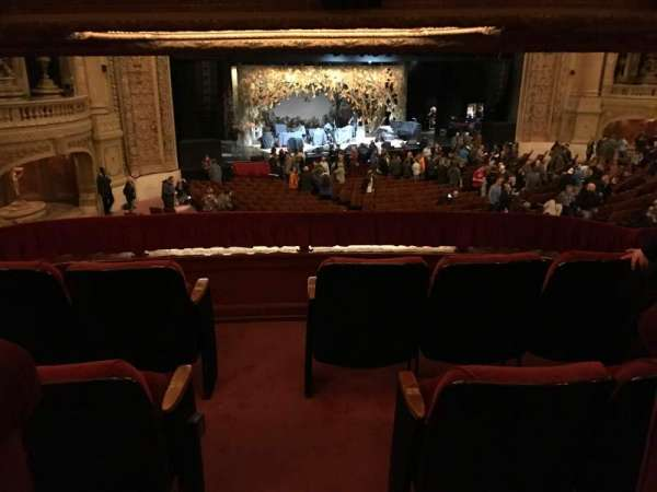 Chicago Theatre, section: BOX, row: S, seat: 1