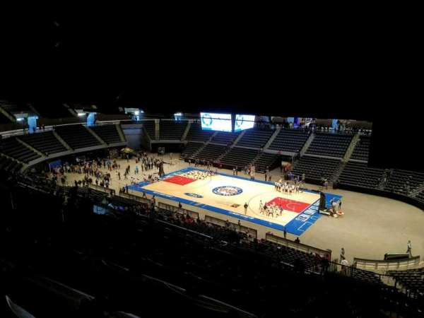 Nassau Veterans Memorial Coliseum, section: 220, row: 16, seat: 1