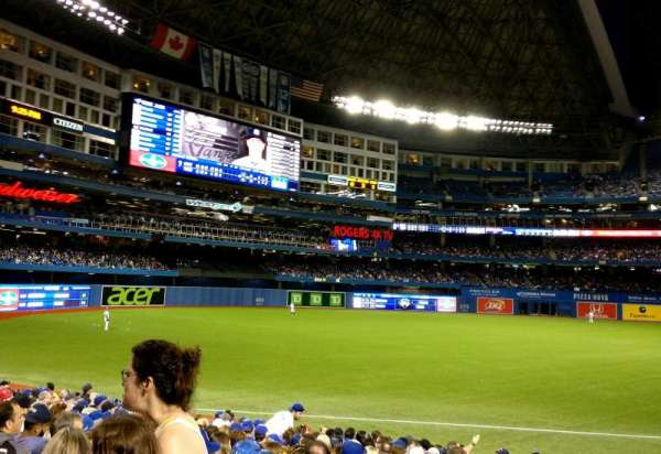 Rogers Centre, section: 139R, row: 18, seat: 1