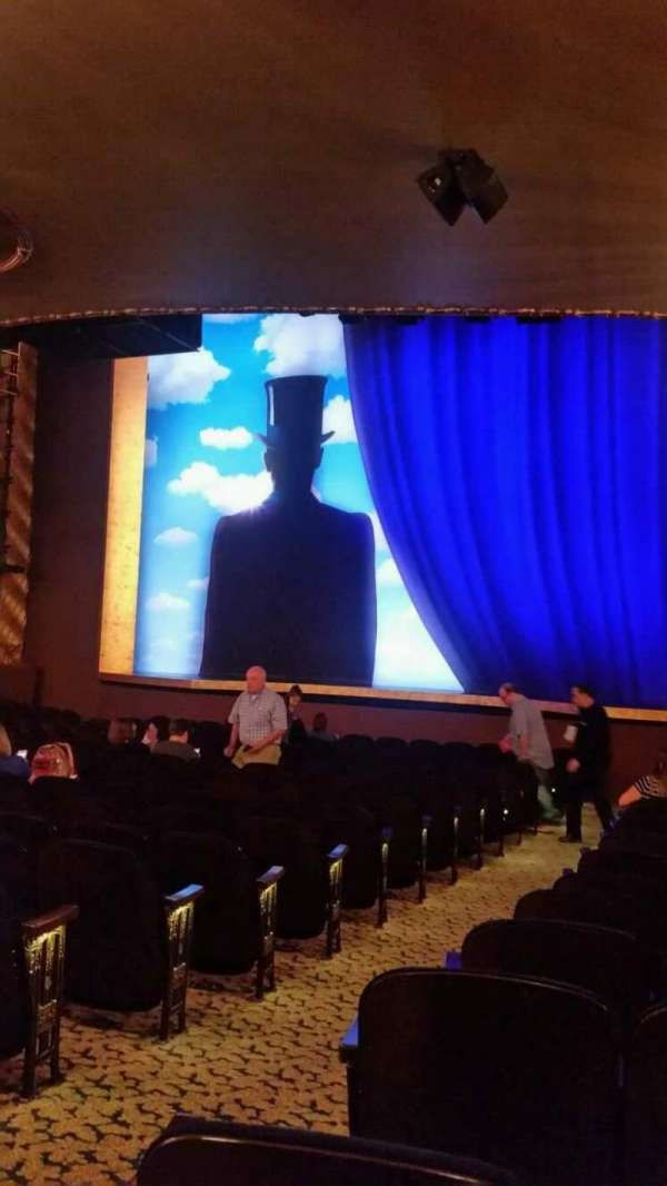 Lunt-Fontanne Theatre, section: Orchestra R, row: T, seat: 2
