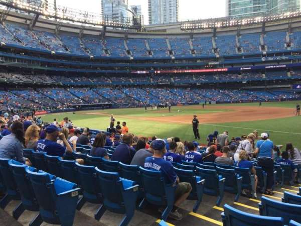 Rogers Centre, section: 113ar, row: 15, seat: 3