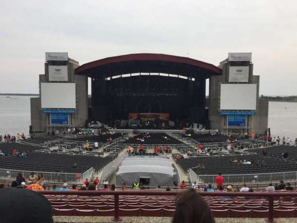 Jones Beach Theater, section: 8R, row: DD, seat: 10