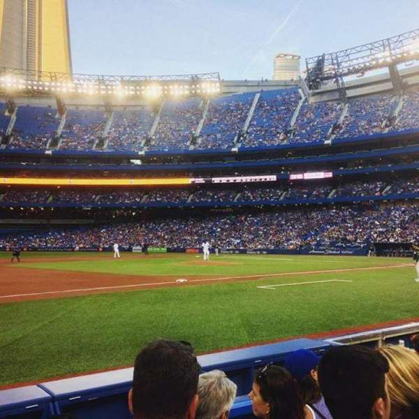 Rogers Centre, section: 129R, row: 4, seat: 10