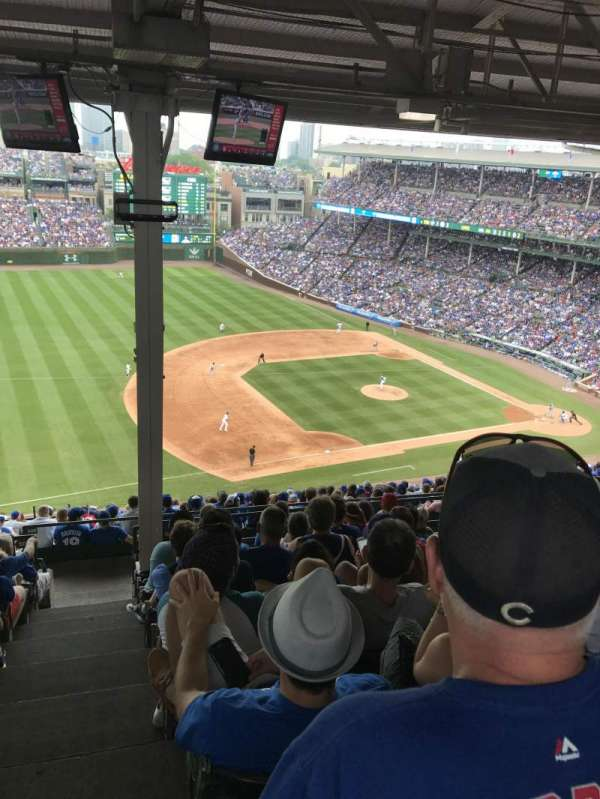 Wrigley Field, section: 408L, row: 9, seat: 24