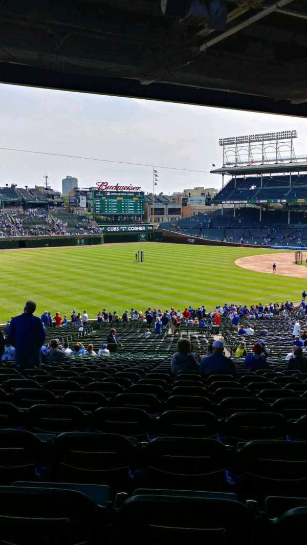 Wrigley Field, section: 204, row: 21, seat: 112