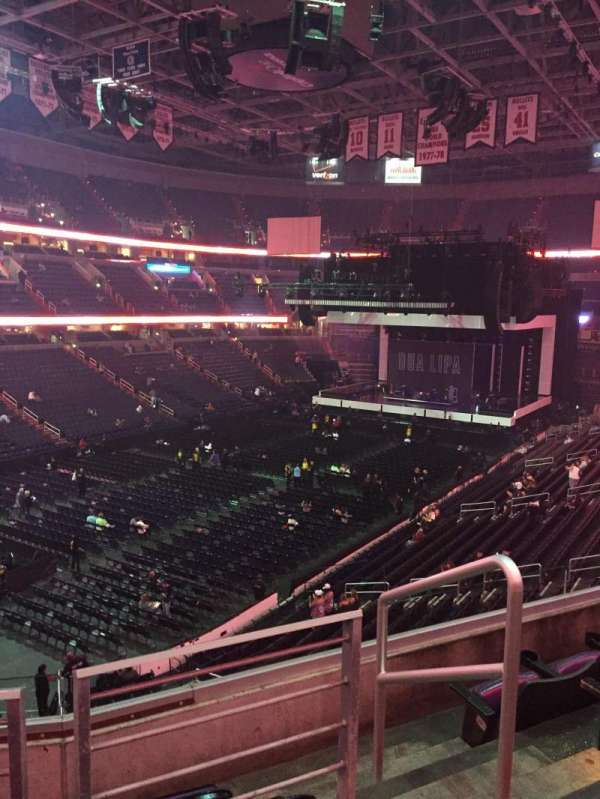 Capital One Arena, section: 210, row: D, seat: 9