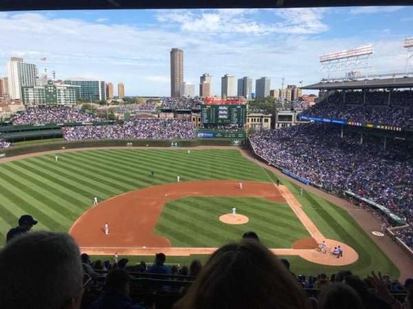 Wrigley Field, section: 412L, row: 4, seat: 8