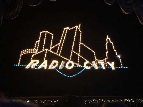 Radio City Music Hall, section: Orchestra 4, row: WW, seat: 404