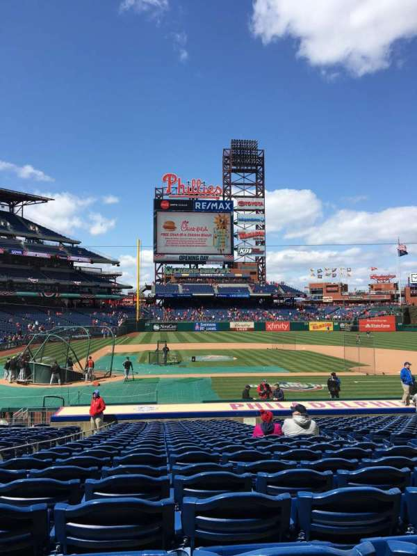 Citizens Bank Park, section: 118, row: 22, seat: 6