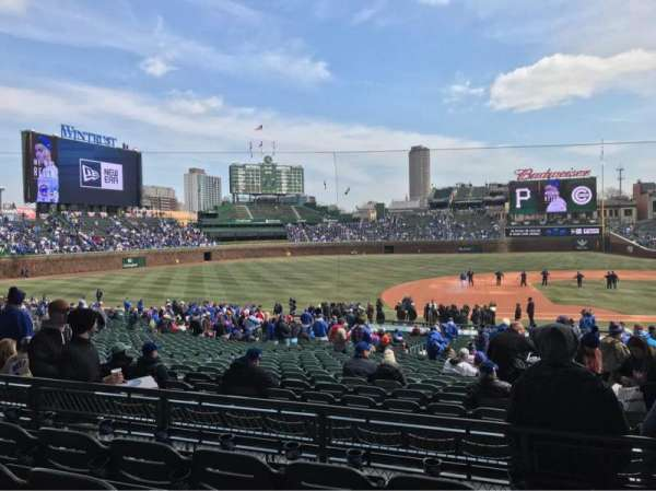 Wrigley Field, section: 213, row: 4, seat: 109