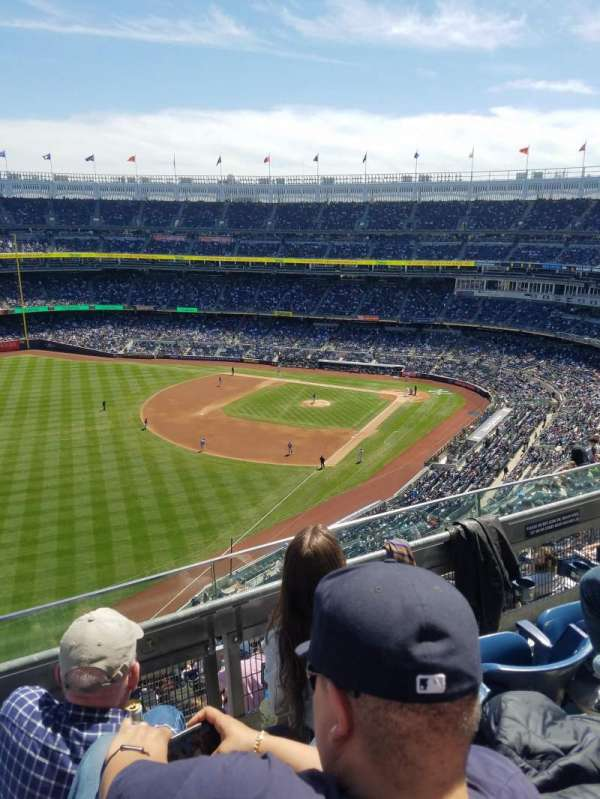 Yankee Stadium, section: 431b, row: 3, seat: 6