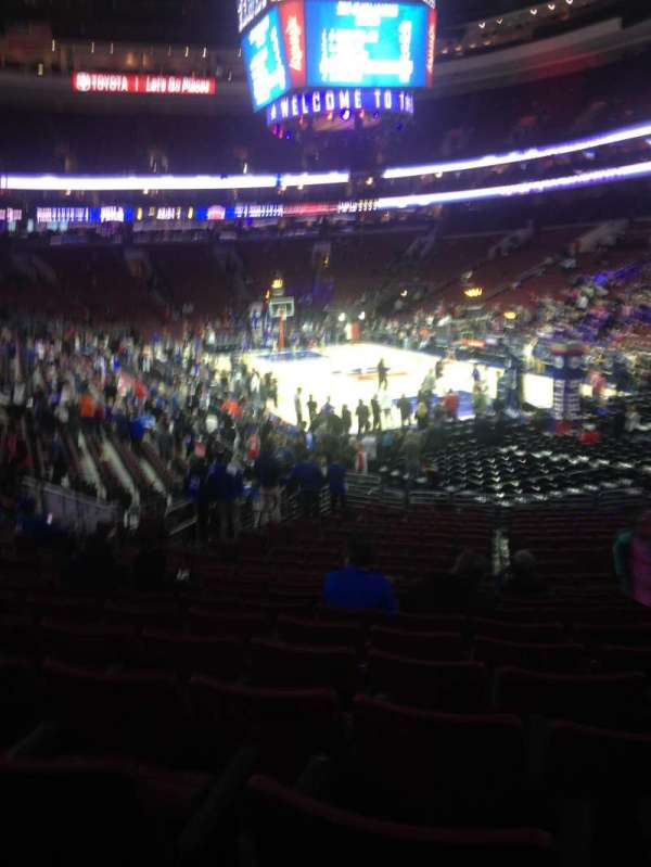 Wells Fargo Center, section: 105, row: 20, seat: 11