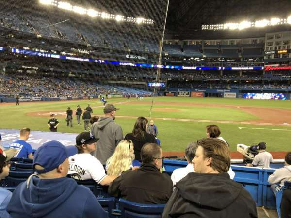 Rogers Centre, section: 117R, row: 14, seat: 101