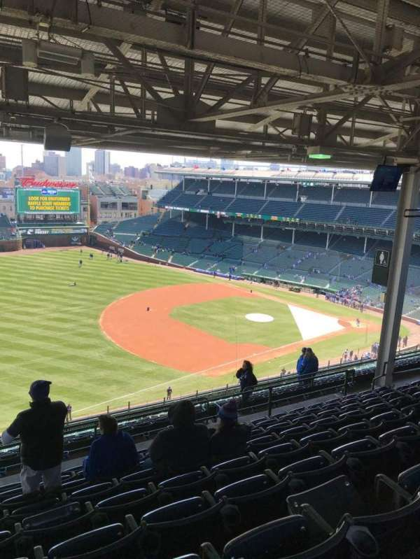 Wrigley Field, section: 407L, row: 9, seat: 3