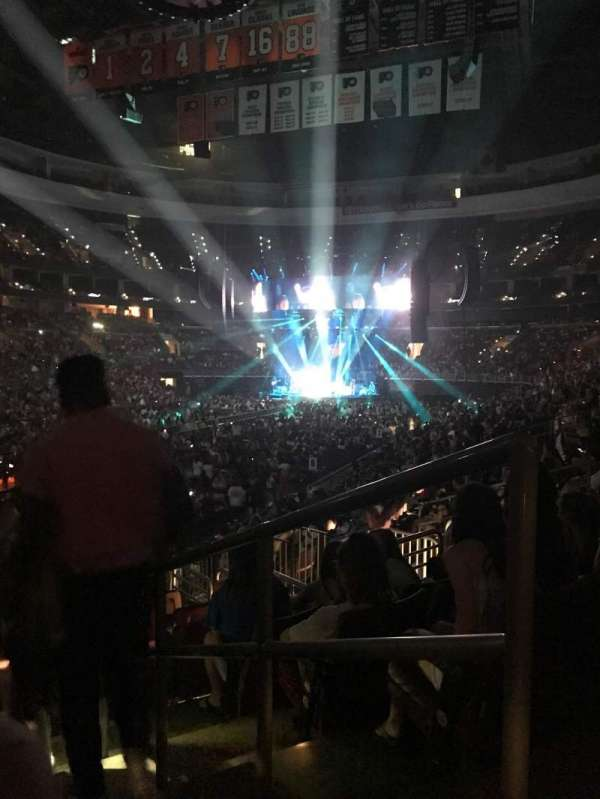Wells Fargo Center, section: 109, row: 15, seat: 14