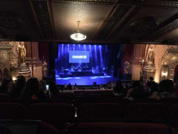 Beacon Theatre, section: LOGE1, row: K, seat: 3