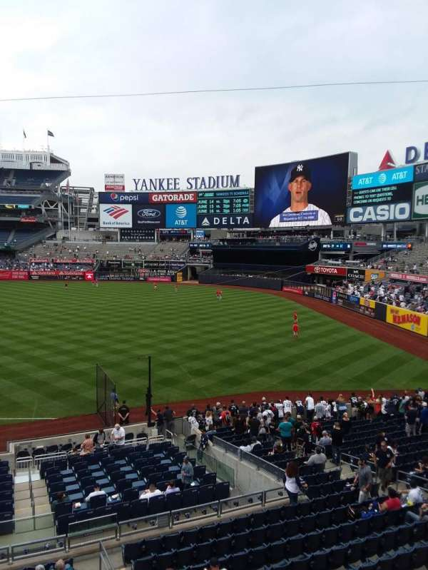 Yankee Stadium, section: 212, row: 1, seat: 6