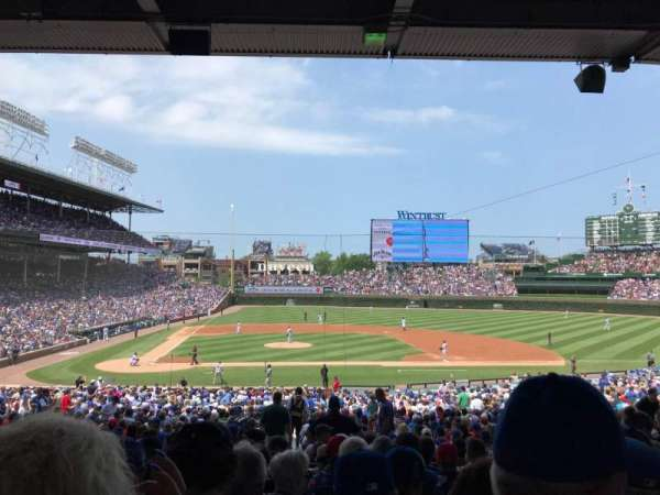 Wrigley Field, section: 222, row: 9, seat: 18