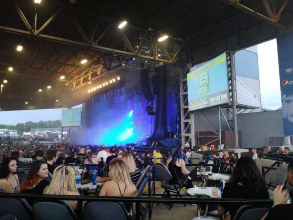 Hollywood Casino Amphitheatre (Maryland Heights), section: Section Right (Right Orchestra), row: V, seat: 42