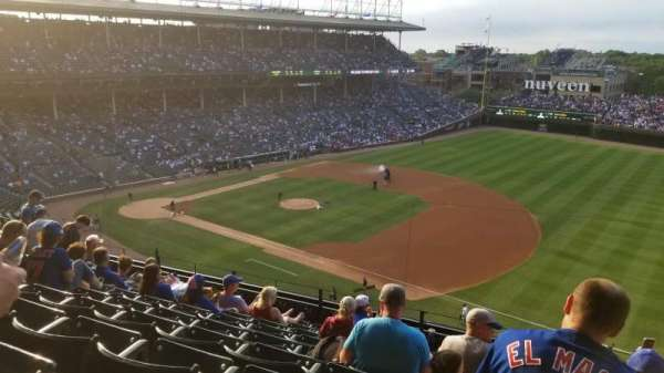Wrigley Field, section: 433, row: 9, seat: 104