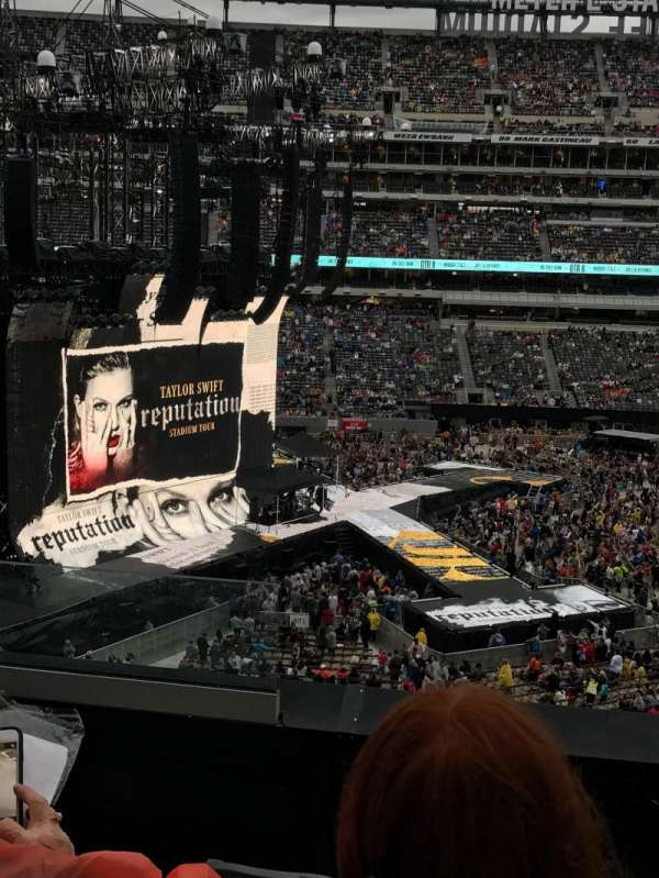 MetLife Stadium, section: 240, row: 4, seat: 22