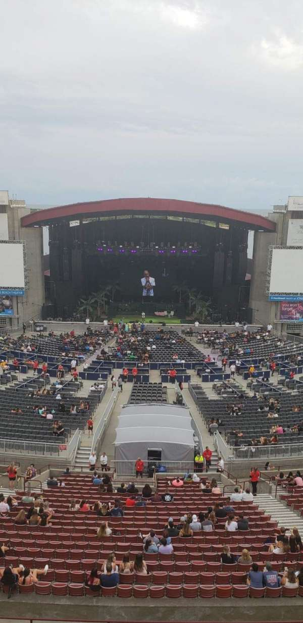 Jones Beach Theater, section: 22, row: A, seat: 10