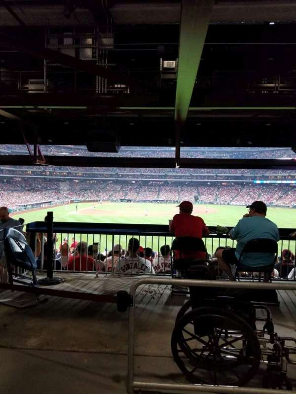 Citizens Bank Park, section: 104, row: 17, seat: 10