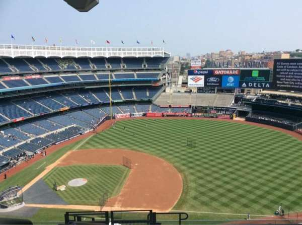 Yankee Stadium, section: 414, row: 11, seat: 27