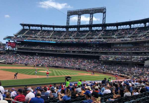 Citi Field, section: 125, row: 18, seat: 1