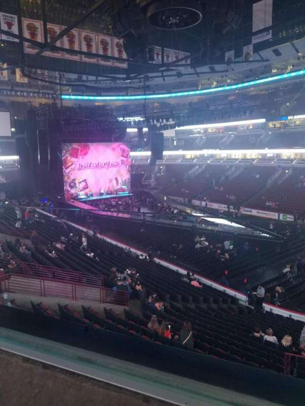 United Center, section: 214, row: 1, seat: 6