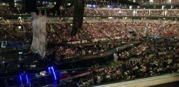 United Center, section: 221, row: 2, seat: 2