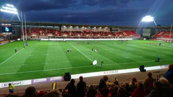 Parc y scarlets , section: S11, row: U, seat: 211