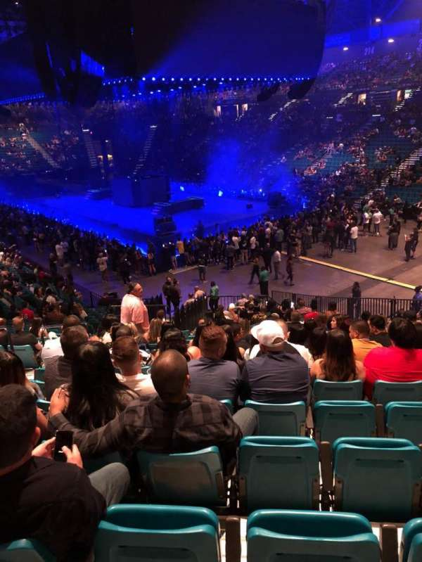 MGM Grand Garden Arena, section: 105, row: AA, seat: 1