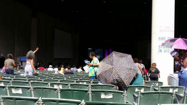 Cellairis Amphitheatre at Lakewood, section: 207, row: Yy, seat: 4