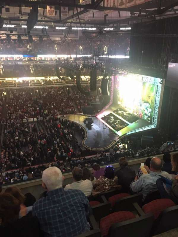 United Center, section: 334, row: 6, seat: 12