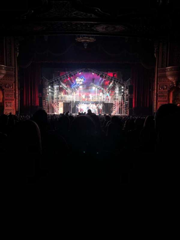 Fox Theatre (Detroit), section: 4 main floor, row: JJ, seat: 401 and 402 aisle