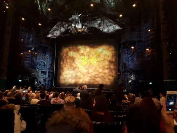 Apollo Victoria Theatre, section: Stalls, row: R, seat: 13