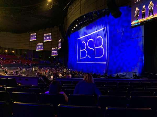 Zappos Theater, section: 101, row: H, seat: 8